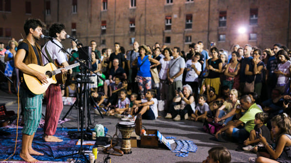 Gli artisti del Ferrara Buskers Festival fanno tappa a Cesenatico