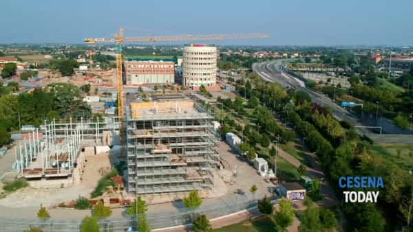 """Il cantiere del comando dei carabinieri visto col drone, il sindaco: """"Punto nevralgico per controllare tutto il territorio"""""""