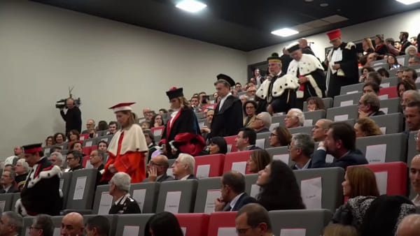 Inaugura l'anno accademico, la storica prima volta in Romagna