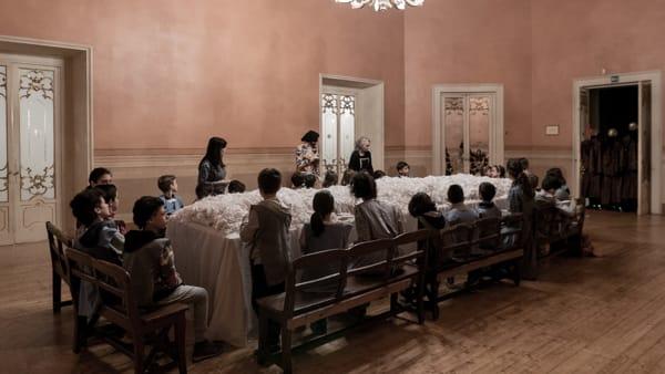 Torna in scena 'La terra dei lombrichi' di Chiara Guidi