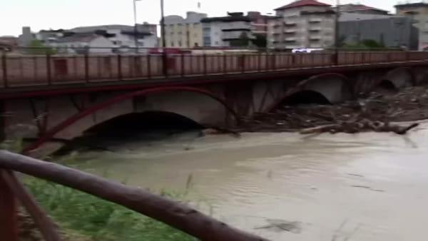Impressionante piena del Savio, chiuso il Ponte Nuovo - VIDEO