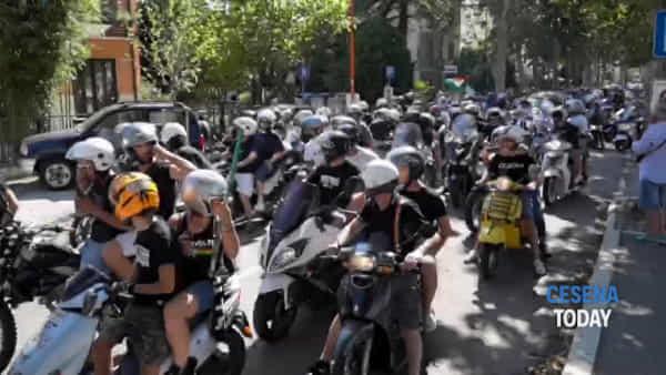 Centinaia di tifosi in moto per Rimini: un esodo per il derby con Rimini - VIDEO