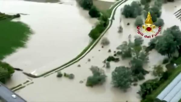 L'alluvione di Cesena vista dell'elicottero dei Vigili del Fuoco: il video dell'esondazione