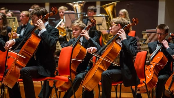 """Sere d'estate"": Caroline Hobbs-Smith dirige la Oxfordshire Symphony Orchestra"