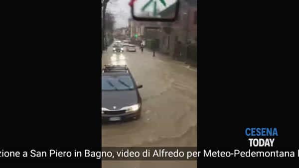 Alluvione a San Piero in Bagno: paese sott'acqua e smottamenti. Allagata anche l'E45