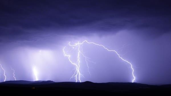 """""""Meteo"""", misteri e curiosità scientifiche sul mondo della meteorologia e della sismologia"""
