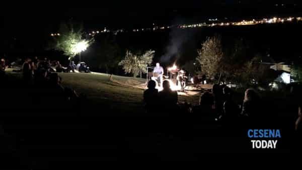 Canzoni attorno al fuoco con Gianluca Donati e The Romantowski