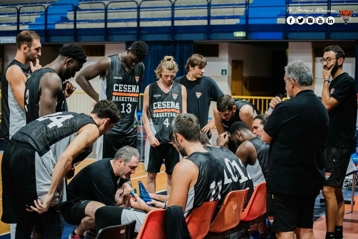Basket, i Tigers escono dalla Supercoppa: fatale la sconfitta interna contro Imola