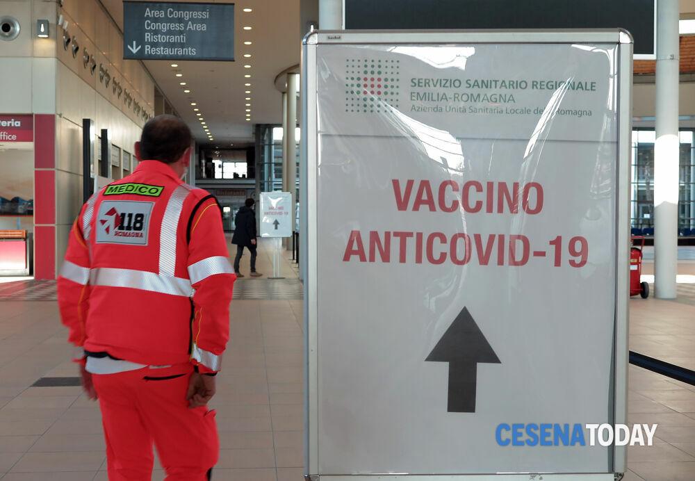 Lotta al Covid e rete solidale, in Fiera vaccino anche per una ventina di profughi afghani