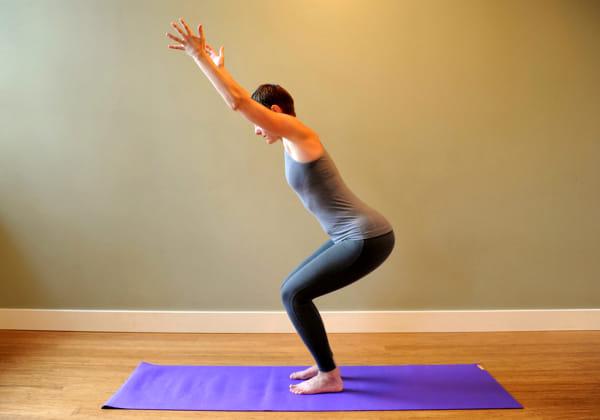 posizione-della-sedia-yoga-2