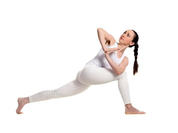 posizione-del-triangolo-ruotato-yoga-ok-2